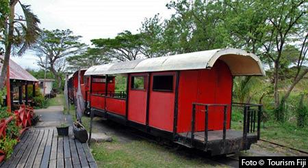 Söderhavet – Turisttåg med ånglok på Fiji