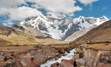 Peru – trecka runt berg längs Ausangate trek