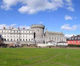 irland-dublin-castle-fram