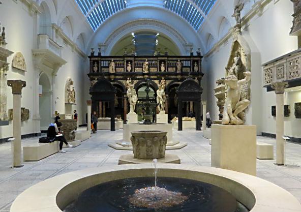 london2016-v-a-museum-insida1
