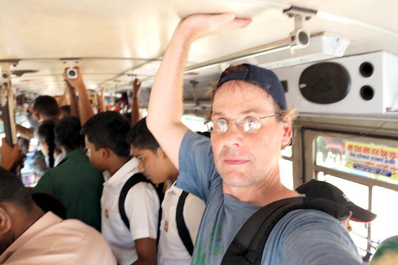 sl-2017-sigiriya-selfie-buss