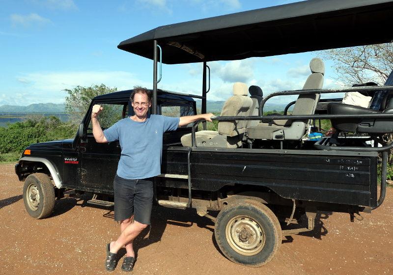 sl-2017-u-walawe-np-safarijeep