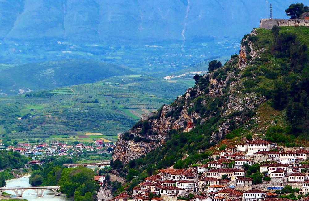 berat-albanien-vybild-sida-narbild2