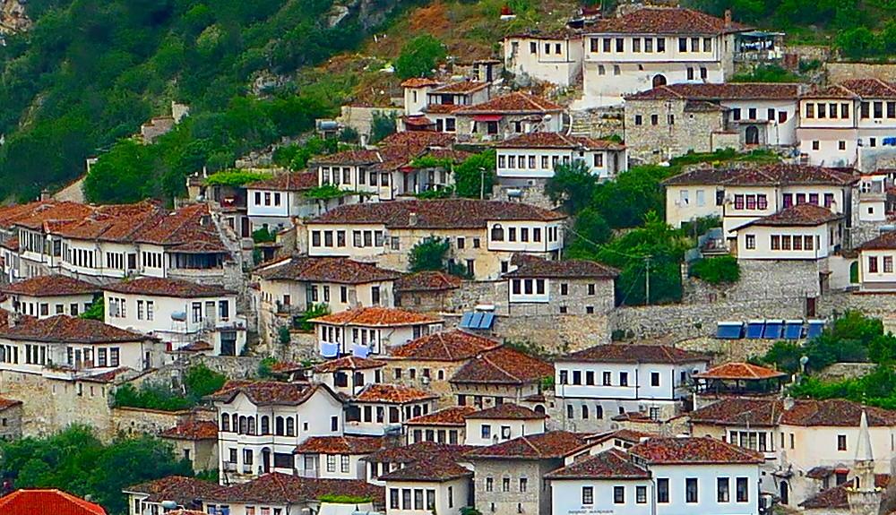 berat-albanien-vybild-sida-narbild3