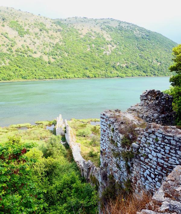 butrint-albanien-11-mur-vatten
